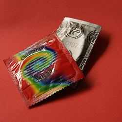 Dia Mundial da Luta Contra AIDS terá distribuição de 25 mil preservativos na Estação Grajaú